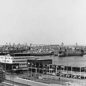 The new terminal in Gothenburg – MASTHUGGSTERMINALEN-1972